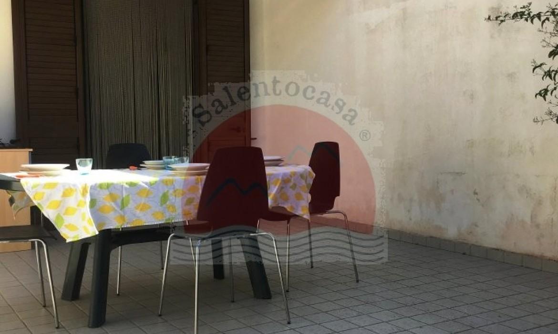 Veranda con Tavolo