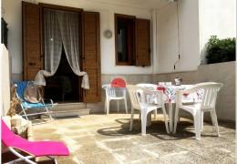 Villetta a Roca Vecchia con veranda 6 posti 200 m sabbia con giardino e veranda