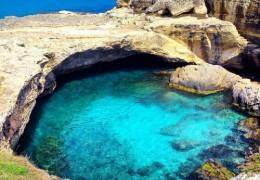 Roca Vecchia spiagge e grotte